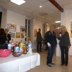 Ambiance chaleureuse dans la galerie Bontemps à Gardanne