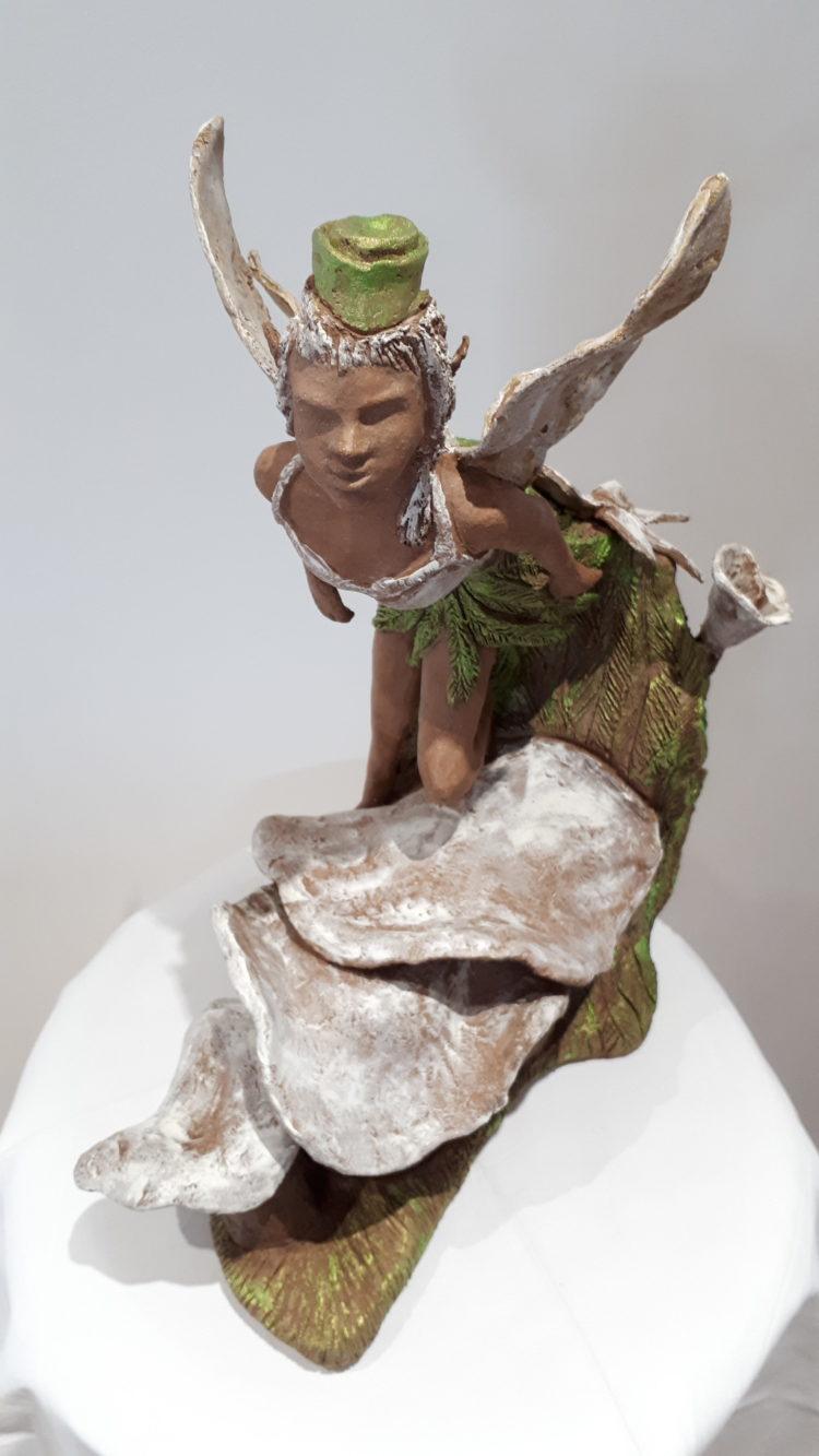 Miniature de l'elfe, sculpture en grés, patinée en vert et blanc