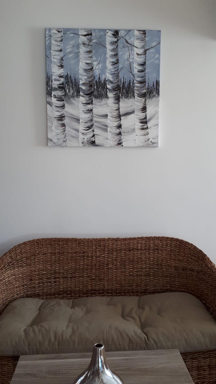 Les bouleaux enneigés, peint à l'huile et au couteau, fièrement affiché dans mon salon